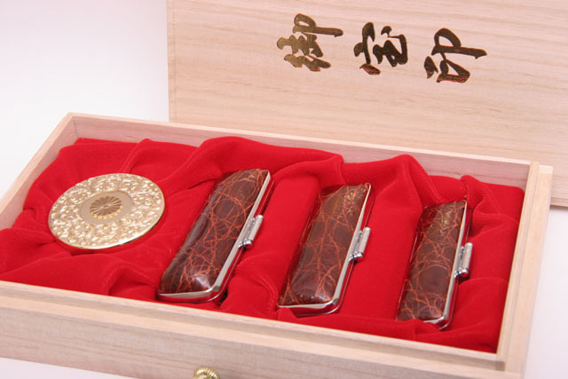 【開運印鑑】 本象牙75mm印鑑三印セット桐箱 腹ワニケース